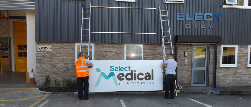 new Select Medical Sign being installed